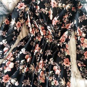 Le Lis Floral Wrap Dress| NWOT - L